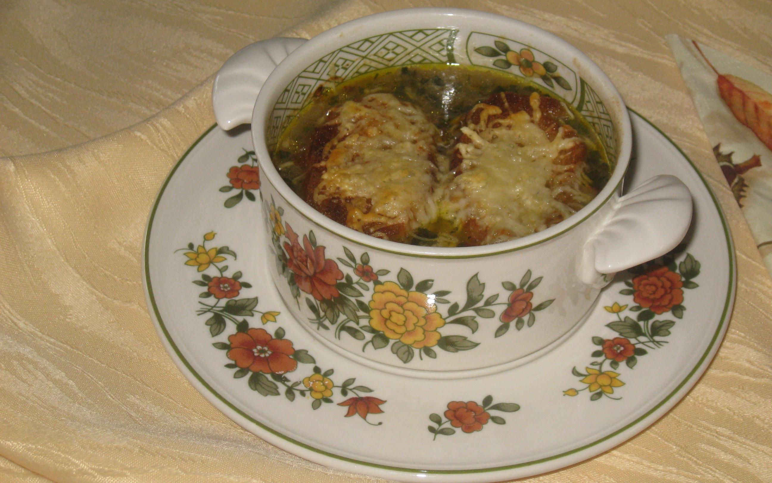 Zwiebelsuppe überbacken